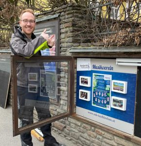 Read more about the article Schaukasten saniert